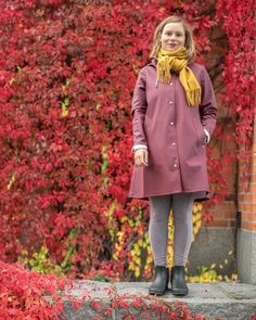 Look great, stay dry, with the Stutterheim's Mosebacke Raincoats for Women. Experience style in a downpour with this Burgundy Women's Raincoat. Rainy Day Fashion, Raincoats For Women, Rain Wear, Girls In Love, Girls Wear, Looks Great, Burgundy, How To Wear, Clothes