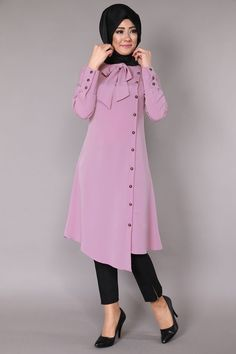 Stunning Button Front Tunic Outfit Ideas for Hijabies – Girls Hijab Style & Hijab Fashion Ideas Islamic Fashion, Muslim Fashion, Modest Fashion, Fashion Dresses, Hijab Outfit, Girl Hijab, Abaya Mode, Hijab Stile, Vetement Fashion