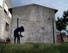 Dame Araignée... / Street art. / Salamalanque. / Espagne. / Spain. /  By Pejac.
