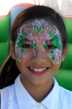 Beautiful face painting design!