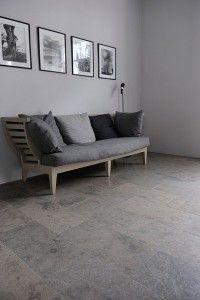 Limestone floor from Stiltje Limestone Flooring, Brick Flooring, Grey Flooring, Kitchen Flooring, Floors, Hallway Inspiration, Interior Inspiration, Home Hacks, Home Remodeling