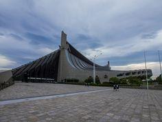 国立代々木競技場/丹下健三。  この屋根ね。凄い。
