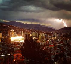 Caught the lightning over the La Paz derby Bolivia [OC] [1080x973]