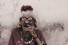 Too young to smoke | - http://www.cuba-junky.com