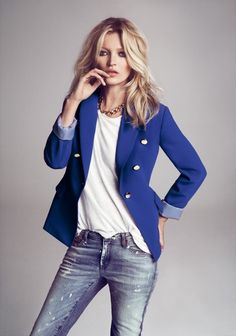 The royal blue blazer with gold buttons and thick gold chain, paired with a simple white tee and distressed jeans is chic, elegant and sophisticated