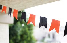 Duct Tape Garland | Duct Tape Crafts http://www.diyready.com Please follow us @ http://www.pinterest.com/ducktapesale/