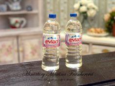 Set dvou lahví s vodou Evian :: Doplňky pro panenky a sběratele