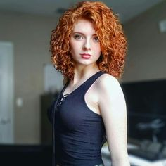 Stunning Redhead, Beautiful Red Hair, Gorgeous Redhead, Beautiful Girl Image, Beautiful Pictures, Red Hair Woman, Girls With Red Hair, Model Foto, Redhead Girl