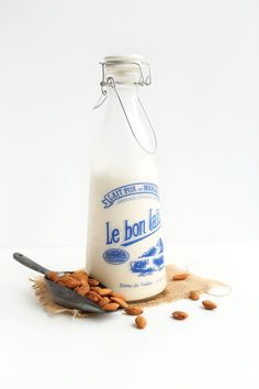 A simple, step-by-step tutorial on how to make almond milk at home!