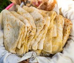 Trinidad Paratha Roti (Buss up Shut) - Cooking With Ria Roti Recipe Guyanese, Roti Recipe Indian, Dhal Recipe, Guyanese Recipes, Puri Recipes, Indian Food Recipes, Trinidad Roti Skin Recipe, Carribean Food, Caribbean Recipes