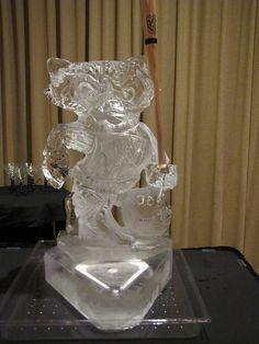 Every good Wisconsin wedding needs a Bucky Badger ice sculpture!