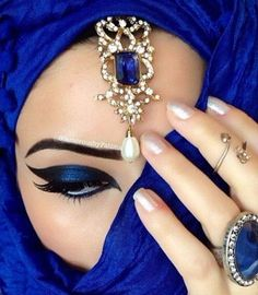 makeup from the makeup tattoo makeup meme without eye makeup makeup trends 2020 makeup natural kajal eye makeup blue eye makeup Arabic Eyes, Le Grand Bleu, Arabic Makeup, Arabic Beauty, Egyptian Makeup, Foto Art, Love Blue, Eye Make Up, Electric Blue