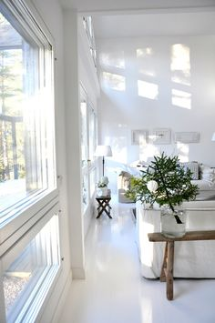 So much light Cozy Living Rooms, Living Room Modern, Home Living Room, Modern Interior, Interior Design, Transitional Decor, Scandinavian Home, Home Decor Inspiration, Decor Ideas