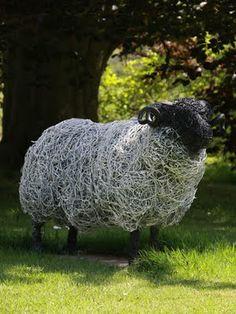 Cool wire sculptures by Ruppert Till.