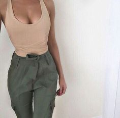 Khaki Color Outfits For Spring - 2018 Fashion Trends Fashion Killa, Look Fashion, Fashion Outfits, Womens Fashion, 90s Fashion, Fashion Trends, Spring Summer Fashion, Spring Outfits, Casual Outfits