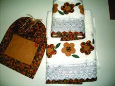 Kit de toalha e porta lingerie