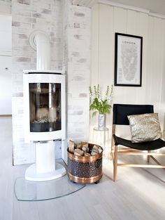 Stunning Scandinavian Fireplace Design Ideas To Amaze Your Guests, – Freestanding fireplace wood burning Small Living Rooms, Living Room Modern, Living Room Interior, Home Living Room, Scandinavian Fireplace, Modern Scandinavian Interior, Scandinavian Living, Stone Fireplace Designs, Stone Fireplace Surround