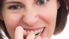 Un bouton sur le nez ou dans le nez : que faire ?
