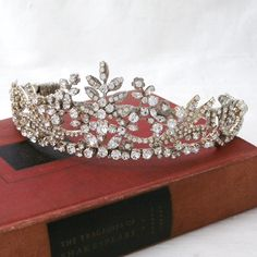"""Fit for a """"Royal"""" if they wore Swarovski Crystals instead of Diamonds. Classic design of crystal adorned leaves, circle shape. Half Circle, Circle Shape, Bridal Tiara, Bridal Headpieces, Tiaras And Crowns, Swarovski Crystals, Hair Accessories, Diamond, Classic"""