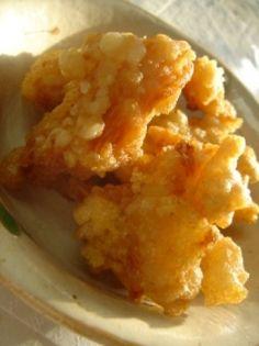 Recette friture au poulet facile par As : C'est une recette japonaise très populaire..Ingrédients : poulet, oeuf, poivre, ail, farine