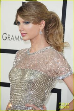 Even with a red carpet full of Pop star Taylor Swift, who has adopted a sexier look on red carpets, today was named 'People' magazine's best-dressed celebrity of the year. Description from theredscarpets.com. I searched for this on bing.com/images
