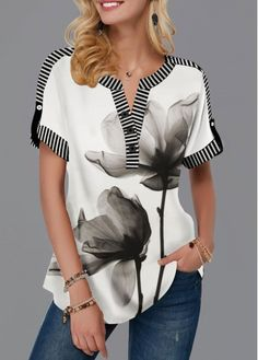 Womens Casual Tops Roll Tab Sleeve Notch Neck Lotus Print T Shirt Stylish Tops For Girls, Trendy Tops For Women, T Shirts For Women, Burgundy Leggings, Black Long Sleeve Shirt, Bralette Tops, Pull, Clothes, Tops Online