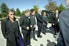 Johnny Cash Funeral | ... Scruggs were among the pallbearers for the funeral of Johnny Cash