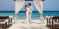 L'amore è la forza eterna della vita. L'amore è la forza che ci permette di affrontare la paura e l'incertezza con coraggio. L'amore è la forza che ci unisce nel nostro nuovo cammino. Nozziamoci Wedding Planner.  #matrimonio #amore #weddingplanner