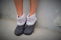 Women house shoes felted slippers booties handmade by kadabros