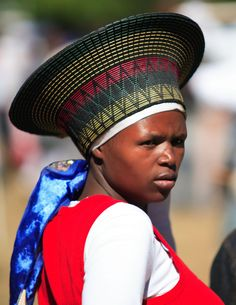 Africa travel, Zulu woman portrait, photo by Coyotos