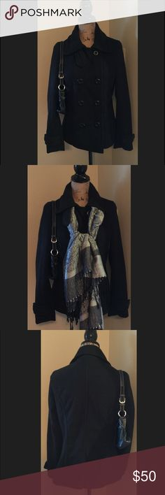 Snobbish pea coat Black pea coat pockets on the side very cute size medium bundle and save 20% snobbish Jackets & Coats Pea Coats
