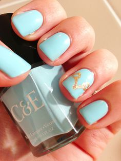 DIY: Equestrian Chic nail art featuring a snaffle bit accent nail!