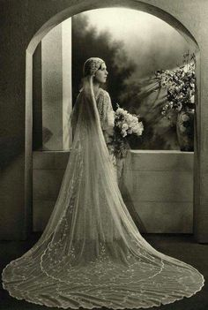 vintage Bridal photos best outfits - Page 86 of 99 - Cute Wedding Ideas Red Bridesmaid Dresses, Long Wedding Dresses, Bride Dresses, 1920s Wedding, Wedding Bride, 1920s Vintage Wedding Dress, Wedding Ideas, Wedding Shot, Wedding Veils