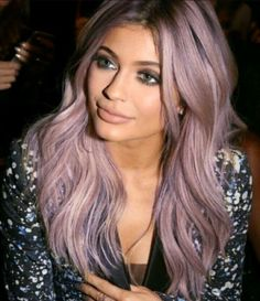 "152 Me gusta, 3 comentarios - The best pic of ""King Kylie"" (@jenner.kylie.kristen) en Instagram: ""Hair Color #kyliejenner @kyliejenner #haileybaldwin @haileybaldwin #kendalljenner @kendalljenner…"""
