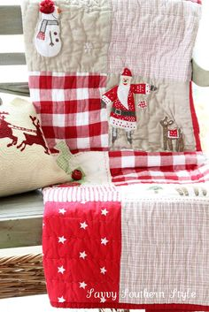 re pin as idea for kids quilt: Christmas table napkins/pockets and felt snowmen santas elves etc....