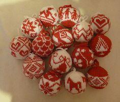 Ravelry: lilarita's rot-weiße Julekuler