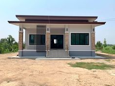 Small Modern House Plans, Simple House Plans, Simple House Design, House Front Design, Indian House Exterior Design, Modern Exterior House Designs, Kerala House Design, Modern Bungalow House, Bungalow House Plans