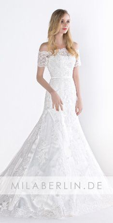 Discover vintage, lace, designer and more wedding dresses at Miaberlin. Our elegant wedding dresses are now available at affordable prices. Vintage Lace, Vintage Dresses, Elegant Wedding Dress, Wedding Dresses, Fanta, Strawberry Fields Forever, Cake Blog, Vintage Recipes, Lace Fabric