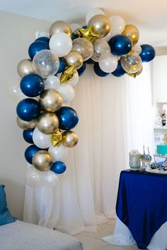 Birthday Balloon Decorations, Graduation Decorations, Baby Shower Decorations, Birthday Balloons, Graduation Ideas, Balloon Arch Diy, Balloon Garland, Star Baby Showers, Royal Baby Showers