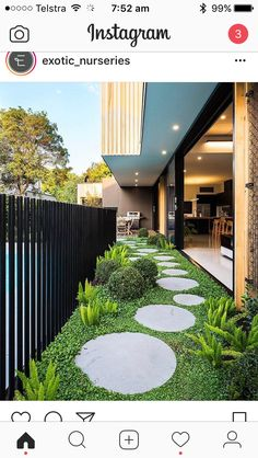 27 Minimalist Garden Design Ideas For Small Garden > Backyard Garden Design, Backyard Patio, Rooftop Garden, Round Pavers, Side Yard Landscaping, Luxury Landscaping, Minimalist Garden, Exterior Design, Landscape Design