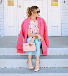 Aunque el rosa siempre ha estado ligado a la niñez y a la muñeca Barbie, no hay edad límite para llevar prendas de este color. La moda pink también aplica para maquillaje y accesorios que puedes combinar con tu outfit  favorito. http://www.liniofashion.com.co/linio_fashion/carteras-y-cosmetiqueras?utm_source=pinterest&utm_medium=socialmedia&utm_campaign=COL_pinterest___fashioncosmetiqueras_20140331_15&wt_sm=co.socialmedia.pinterest.COL_timeline_____fashion_20140331cosmetiqueras.-.fashion