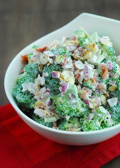 Salad - Low Carb Does broccoli salad sound good to you? Then try this low carb broccoli salad recipe, right now!Does broccoli salad sound good to you? Then try this low carb broccoli salad recipe, right now! Low Carb Paleo, Low Carb Lunch, Low Carb Diet, Paleo Diet, Healthy Salads, Healthy Recipes, Simple Salad Recipes, Low Carb Summer Recipes, Carb Free Recipes