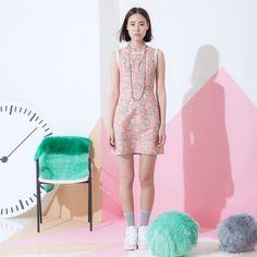 Perfect spring time dress! #thesurian #print #fashion #chic #classy