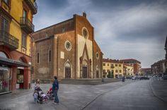 genitori e figli davanti al Duomo by Clay Bass on 500px