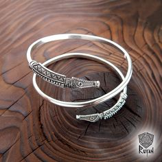 Dragon bracelet. Bracelet dragon heads. Viking bronze. Bracelet Jörmungandr. Celtik bracelet. Viking jewerly. Viking bracelet by RuyaN on Etsy https://www.etsy.com/listing/455911430/dragon-bracelet-bracelet-dragon-heads