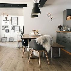 [New] The 10 Best Home Decor Ideas Today (with Pictures) - Who would not LOVE this? Simple yet perfect. Tag someone who would love this Share you photos with Interior by Rooms Ideas, Living Room Decor, Living Spaces, Sweet Home, Living Comedor, Dining Room Inspiration, Beautiful Living Rooms, Dining Room Design, Dining Rooms