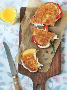 Sandwich caliente de mozzarella y pimiento - L´Exquisit