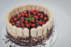 Reteta Tort cu iaurt si fructe de padure Ricotta, Tiramisu, Ethnic Recipes, Food, Youtube, Cakes, Pie, Cake Makers, Essen