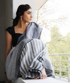 Simple Black and White Linen Saree
