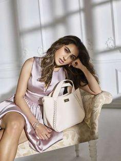 Introducing Sara Ali Khan As The New Face of Ceriz Indian Bollywood Actress, Bollywood Girls, Beautiful Bollywood Actress, Bollywood Fashion, Indian Actresses, Bollywood Style, Indian Western Dress, Western Dresses, Kareena Kapoor Khan